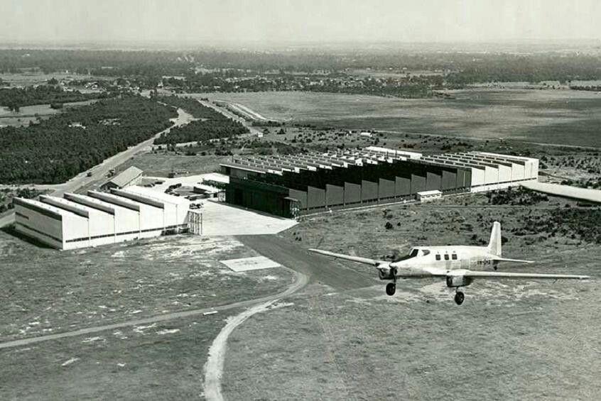 Bankstown Airport 1948.jpg